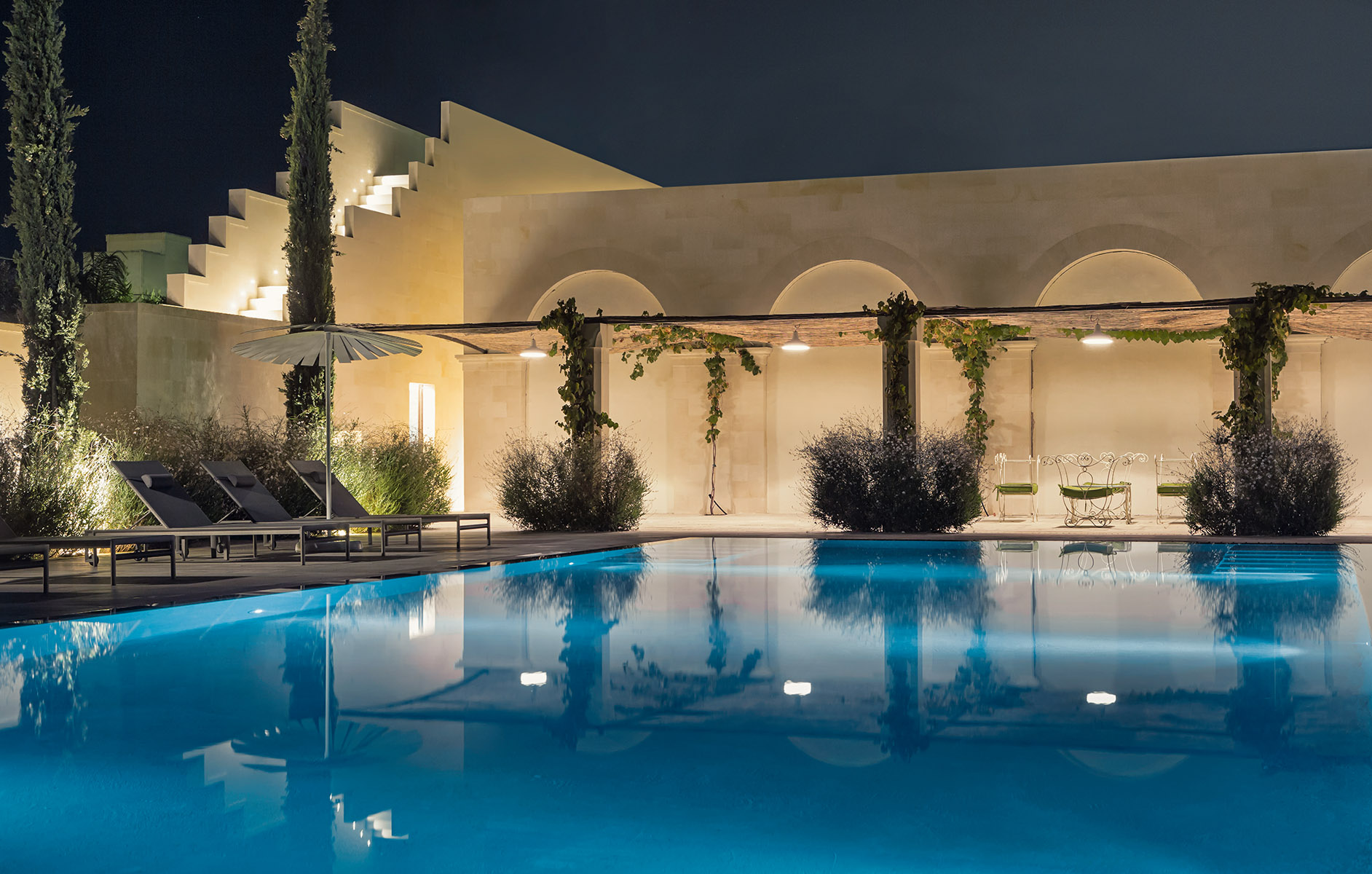 Mobili Da Esterno Per Piscina : Giardino e piscina dontotu